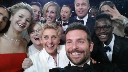 Oscars-Twitter-Selfie.jl.030214